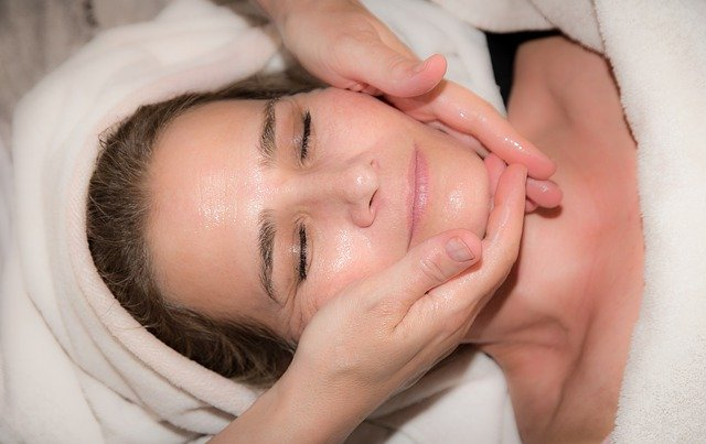 油性皮肤如何改善 – 油性皮肤用什么护肤品